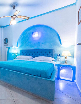Rooms and apartments in Milos, Greece
